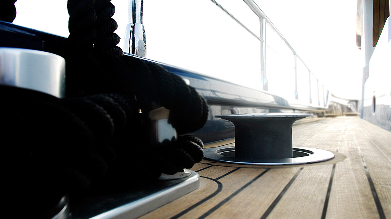 Vismara Marine dettagli barca passacavi