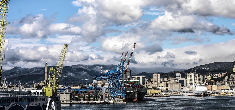 Fotografie industriali porto di Genova