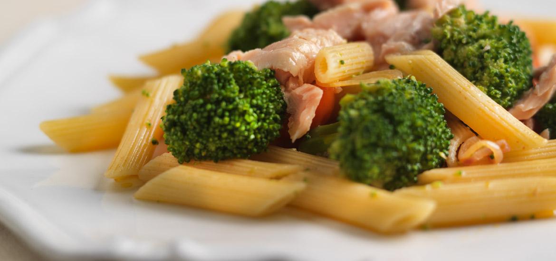 Maruzzella - ricetta Pennette al salmone con broccoli